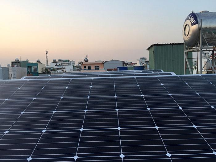 hệ thống điện mặt trời hòa lưới 3KW cho anh Danh ở Gò Vấp 7