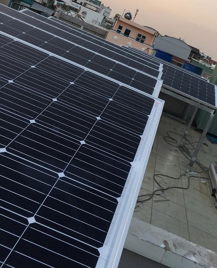 hệ thống điện mặt trời hòa lưới 3KW cho anh Danh ở Gò Vấp 8