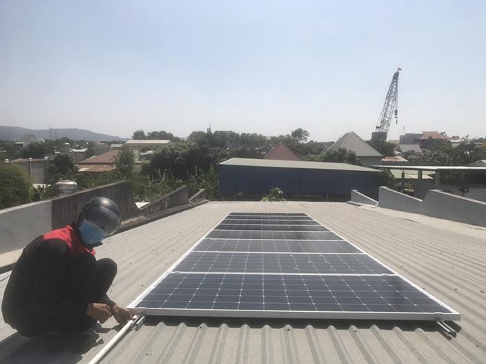 lắp đặt hệ thống điện mặt trời 3KW hòa lưới cho anh Sơn ở BRVT 2