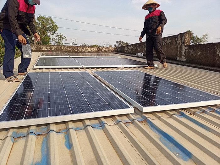 lắp hệ thống điện mặt trời hòa lưới 3KW cho anh Chất ở Củ Chi 2