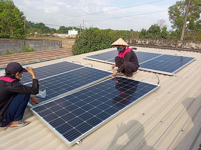 lắp hệ thống điện mặt trời hòa lưới 3KW cho anh Chất ở Củ Chi 3