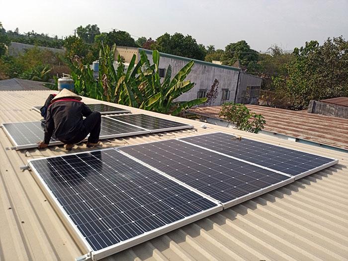lắp hệ thống điện mặt trời hòa lưới 3KW cho anh Chất ở Củ Chi 4