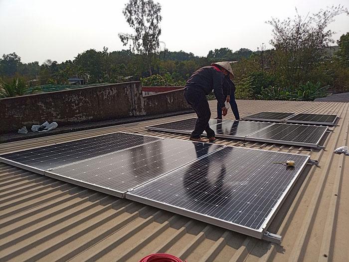 lắp hệ thống điện mặt trời hòa lưới 3KW cho anh Chất ở Củ Chi 5