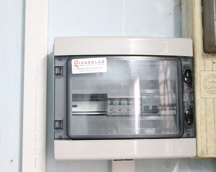 lắp đặt hệ thống điện mặt trời 10KW cho chú Ích ở Bình Chánh 15