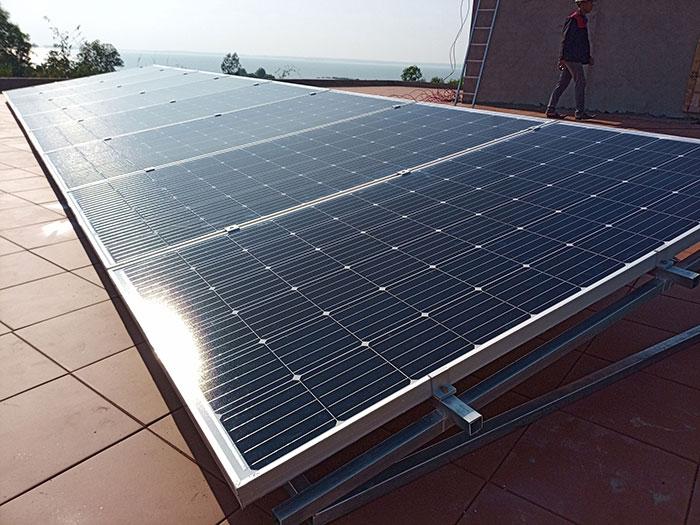 Lắp đặt hệ thống điện mặt trời độc lập 3KW cho anh Vững ở Đồng Nai 7
