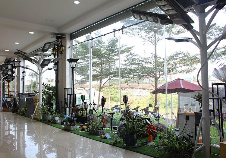 Showroom đèn năng lượng mặt trời của GivaSolar 3