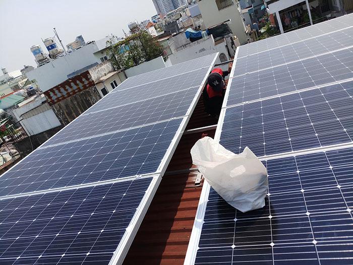 dự án điện mặt trời hòa lưới 4KW cho chú Quang Quận 3 1