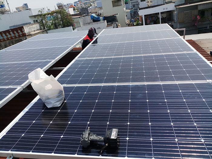 dự án điện mặt trời hòa lưới 4KW cho chú Quang Quận 3 2