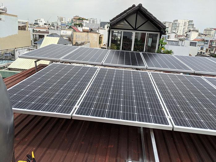 dự án điện mặt trời hòa lưới 4KW cho chú Quang Quận 3 3