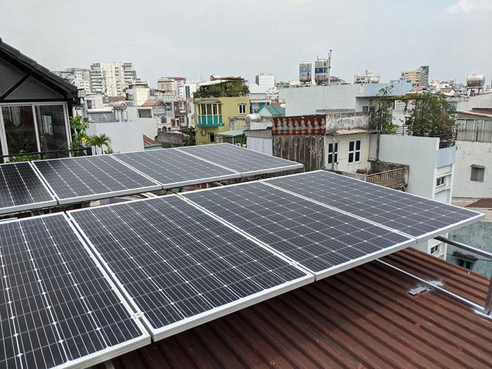 dự án điện mặt trời hòa lưới 4KW cho chú Quang Quận 3 4