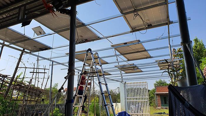 Lắp đặt hệ thống điện mặt trời độc lập 3KW cho anh Linh ở Long An 3