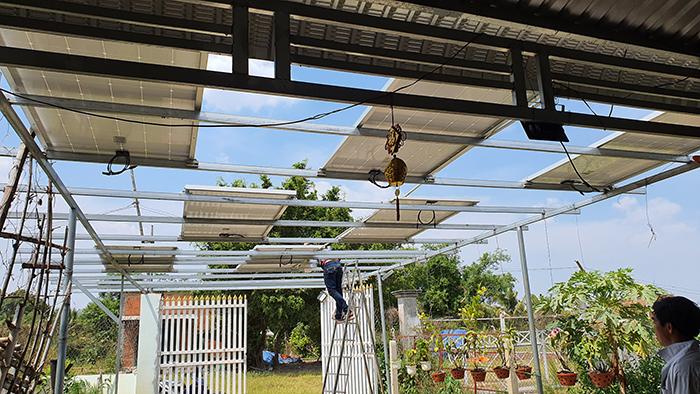 Lắp đặt hệ thống điện mặt trời độc lập 3KW cho anh Linh ở Long An 4