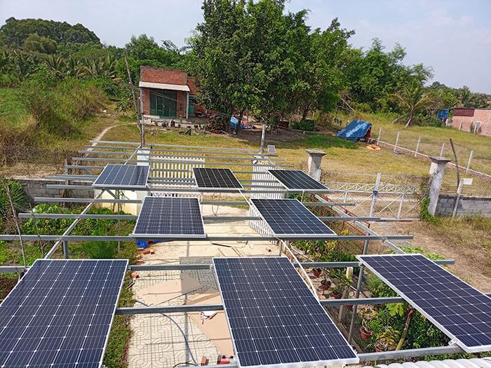 Lắp đặt hệ thống điện mặt trời độc lập 3KW cho anh Linh ở Long An 8