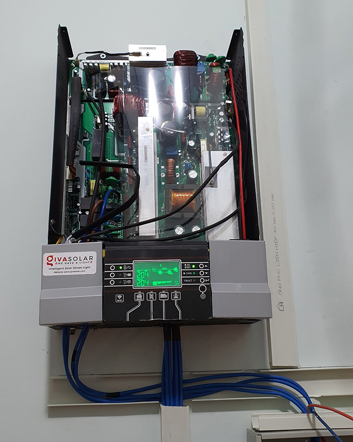 Lắp đặt hệ thống điện mặt trời độc lập 3KW cho anh Linh ở Long An 9