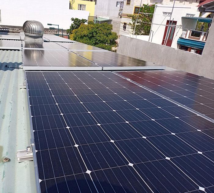 Lắp đặt năng lượng mặt trời hòa lưới 5KW cho anh Linh ở Thủ Đức 2