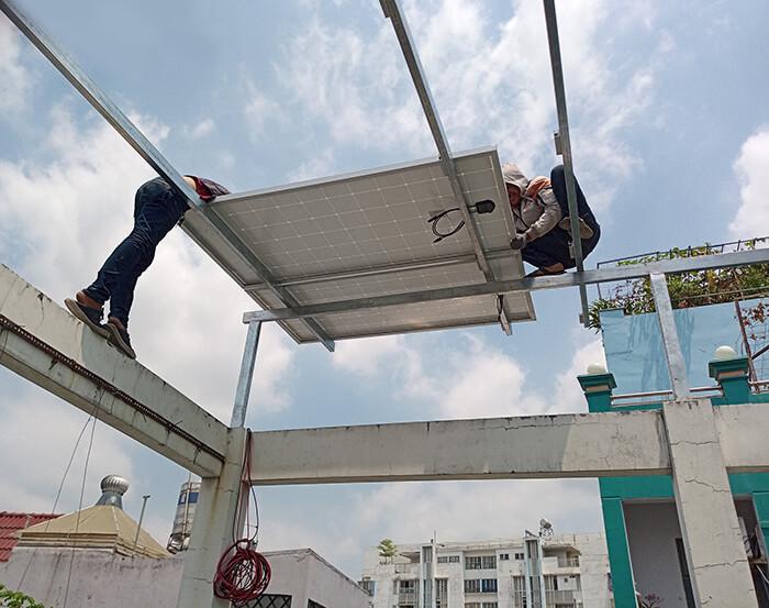 Lắp điện năng lượng mặt trời hòa lưới 4 KW cho chú Phú ở Bình Thạnh 1