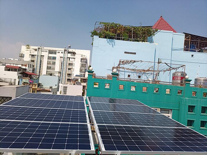 Lắp điện năng lượng mặt trời hòa lưới 4 KW cho chú Phú ở Bình Thạnh 4