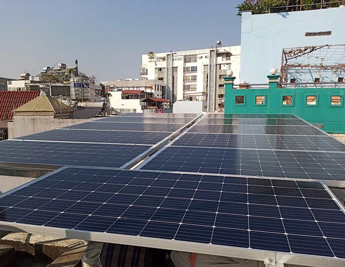 Lắp điện năng lượng mặt trời hòa lưới 4 KW cho chú Phú ở Bình Thạnh 6
