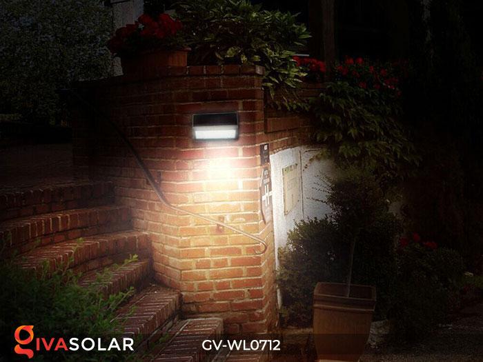 Đèn LED treo tường chạy năng lượng mặt trời GV-WL0712 12