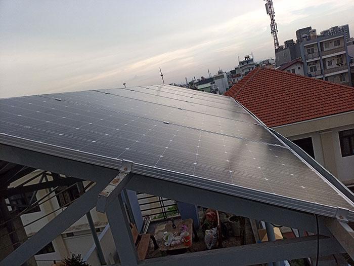 Dự án điện mặt trời hòa lưới 3 pha 5KW cho gia đình chú Phát ở Gò Vấp 7