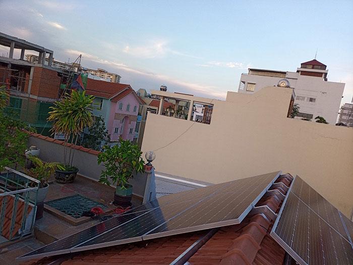 Lắp đặt hệ 4.5KW điện mặt trời hòa lưới cho chú Hùng ở Quận 1 10
