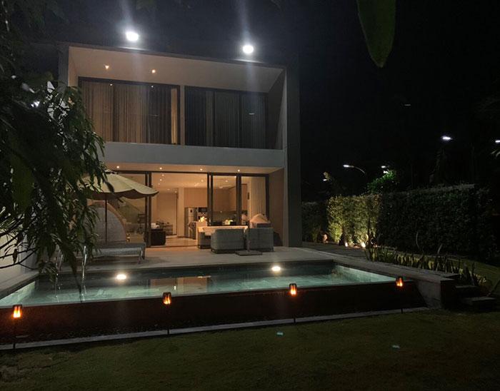 Lắp đặt hệ thống đèn chiếu sáng năng lượng mặt trời ở Khu nghỉ dưỡng & biệt thự Sanctuary Hồ Tràm 10