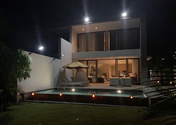 Lắp đặt hệ thống đèn chiếu sáng năng lượng mặt trời ở Khu nghỉ dưỡng & biệt thự Sanctuary Hồ Tràm 12