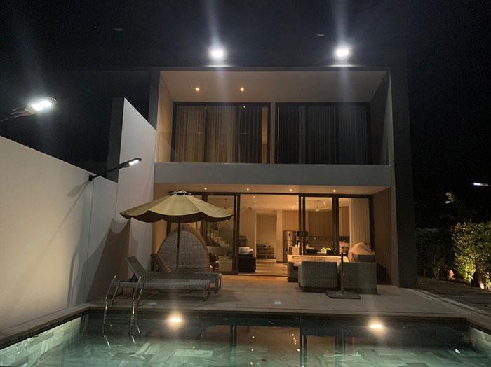 Lắp đặt hệ thống đèn chiếu sáng năng lượng mặt trời ở Khu nghỉ dưỡng & biệt thự Sanctuary Hồ Tràm 14