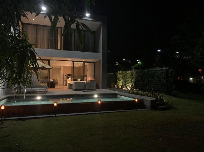 Lắp đặt hệ thống đèn chiếu sáng năng lượng mặt trời ở Khu nghỉ dưỡng & biệt thự Sanctuary Hồ Tràm 16