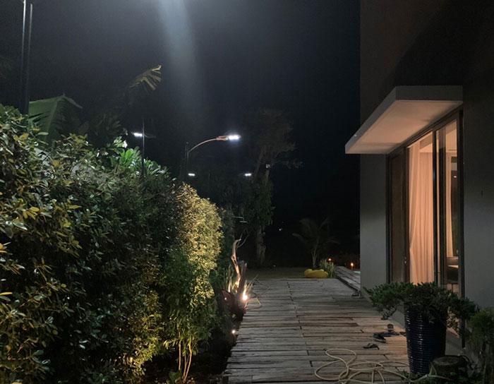 Lắp đặt hệ thống đèn chiếu sáng năng lượng mặt trời ở Khu nghỉ dưỡng & biệt thự Sanctuary Hồ Tràm 18