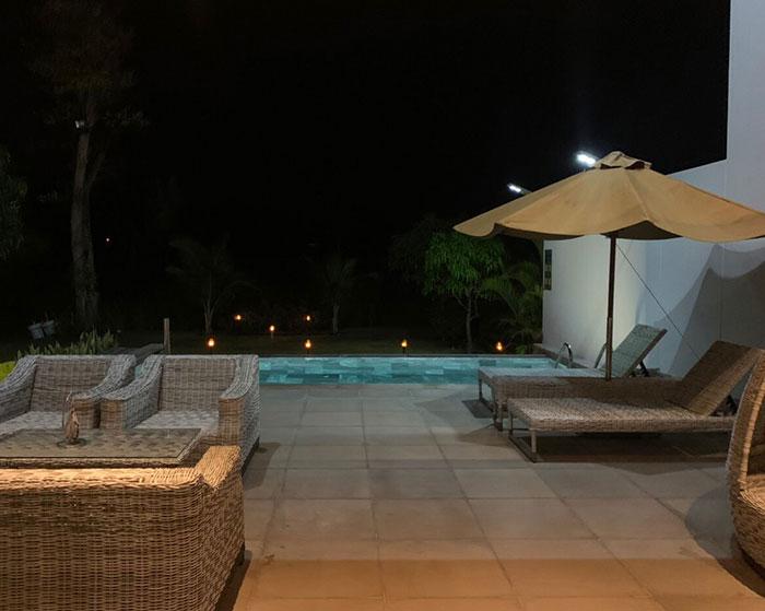 Lắp đặt hệ thống đèn chiếu sáng năng lượng mặt trời ở Khu nghỉ dưỡng & biệt thự Sanctuary Hồ Tràm 19