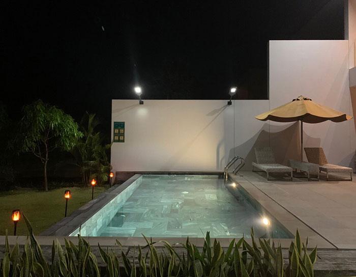 Lắp đặt hệ thống đèn chiếu sáng năng lượng mặt trời ở Khu nghỉ dưỡng & biệt thự Sanctuary Hồ Tràm 20