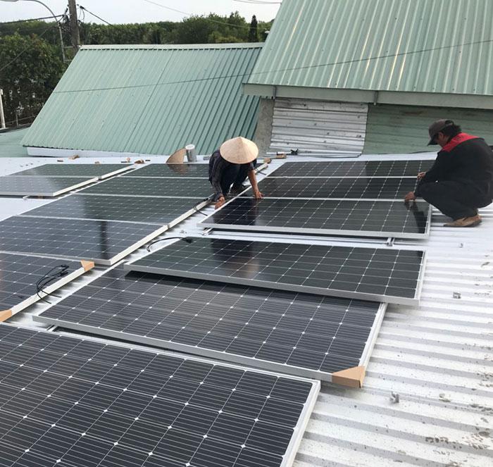Dự án điện mặt trời hòa lưới cho gia đình anh Tấn ở Củ Chi 10KWp 2