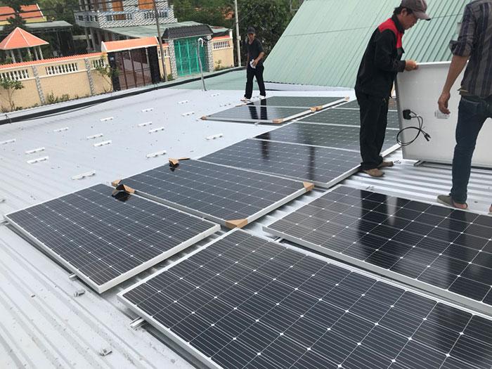 Dự án điện mặt trời hòa lưới cho gia đình anh Tấn ở Củ Chi 10KWp 3