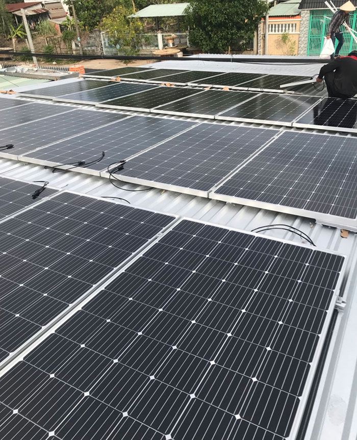 Dự án điện mặt trời hòa lưới cho gia đình anh Tấn ở Củ Chi 10KWp 5