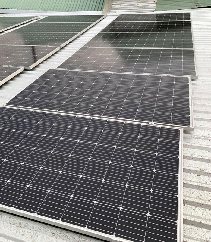Dự án điện mặt trời hòa lưới cho gia đình anh Tấn ở Củ Chi 10KWp 6