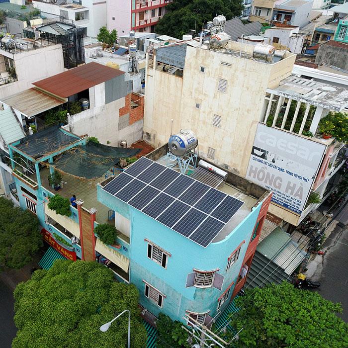 Dự án hòa lưới áp mái 5KW cho gia đình chú Sĩ ở Tân Phú 4