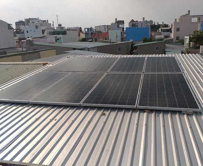 lắp đặt năng lượng mặt trời cho quán cà phê 3