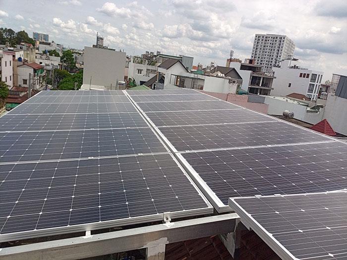 dự án điện mặt trời hòa lưới 12 KW cho anh Trí ở Tân Phú 7