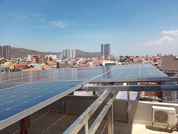 Lắp đặt hệ thống điện mặt trời nối lưới 12KW cho khách sạn GIA AN ở Bà Rịa Vũng Tàu 12