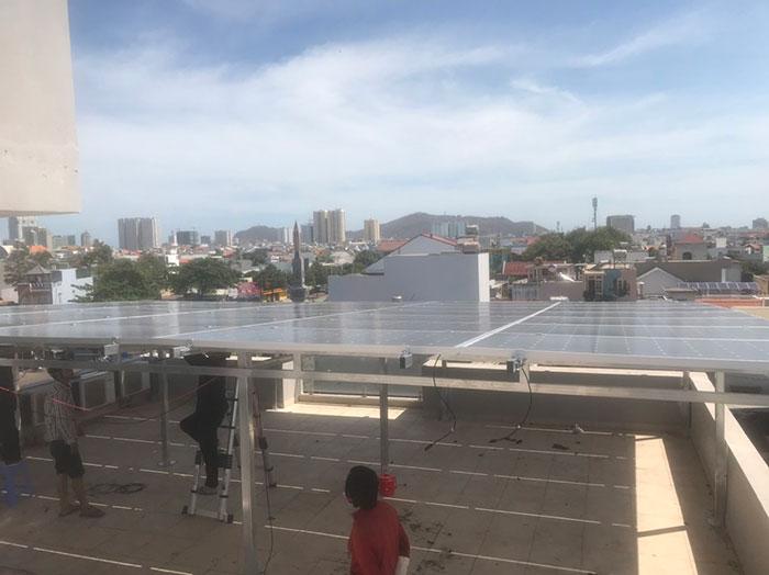 Lắp đặt hệ thống điện mặt trời nối lưới 12KW cho khách sạn GIA AN ở Bà Rịa Vũng Tàu 13