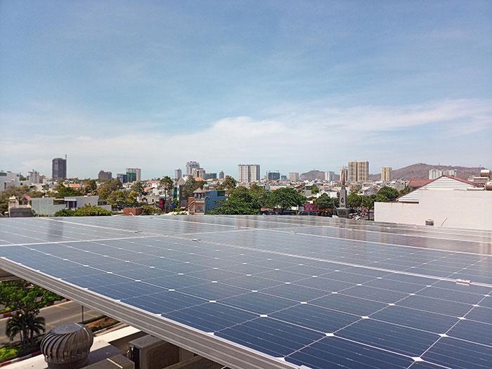Lắp đặt hệ thống điện mặt trời nối lưới 12KW cho khách sạn GIA AN ở Bà Rịa Vũng Tàu 14
