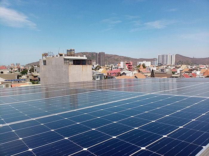 Lắp đặt hệ thống điện mặt trời nối lưới 12KW cho khách sạn GIA AN ở Bà Rịa Vũng Tàu 19
