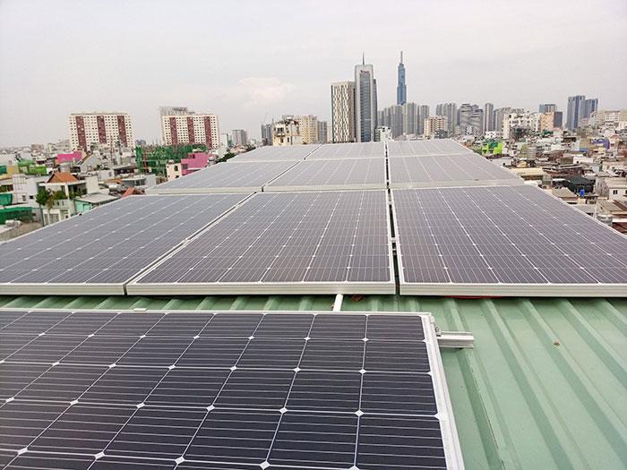 Hòan thành dự án hòa lưới điện mặt trời 10KW cho anh Trí ở Bình Thạnh 2