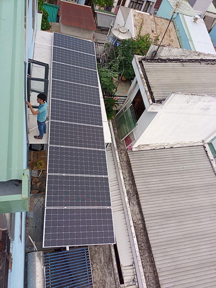 Hòan thành dự án hòa lưới điện mặt trời 10KW cho anh Trí ở Bình Thạnh 4