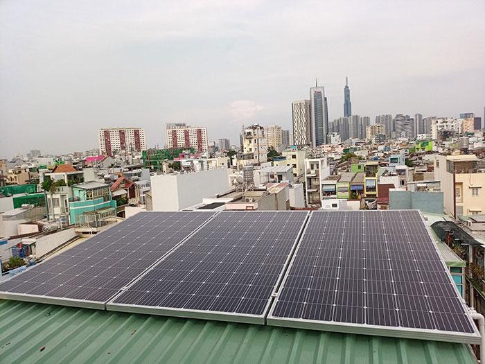 Hòan thành dự án hòa lưới điện mặt trời 10KW cho anh Trí ở Bình Thạnh 5