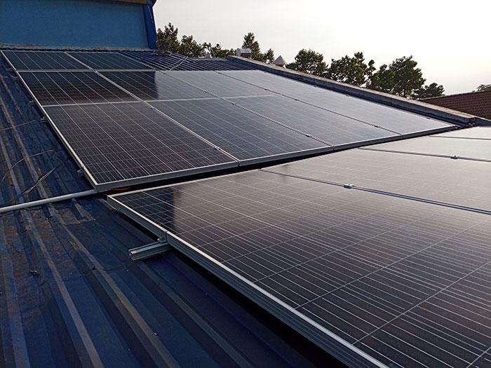 Hoàn thành dự án hòa lưới điện mặt trời 5KW cho chú Vũ ở Bình Dương 3