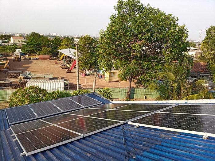 Hoàn thành dự án hòa lưới điện mặt trời 5KW cho chú Vũ ở Bình Dương 4