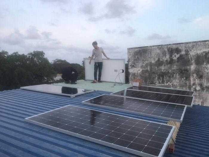 lắp điện mặt trời áp mái 4KW cho gia đình anh Hùng ở Vũng Tàu 2