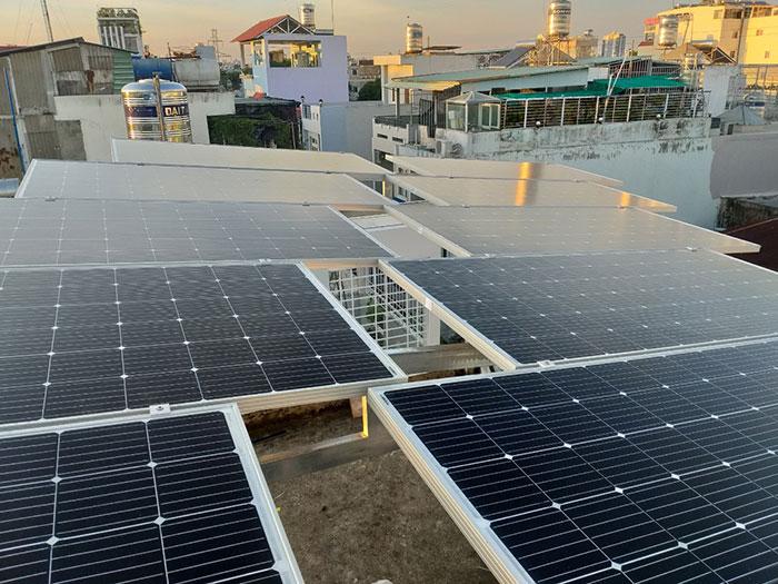hòa lưới điện mặt trời cho hộ gia đình 5KWP - Chị Linh - Tân Phú 3